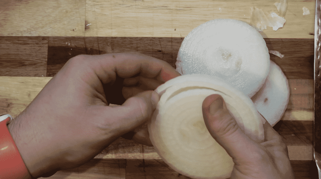 Separating onion rings