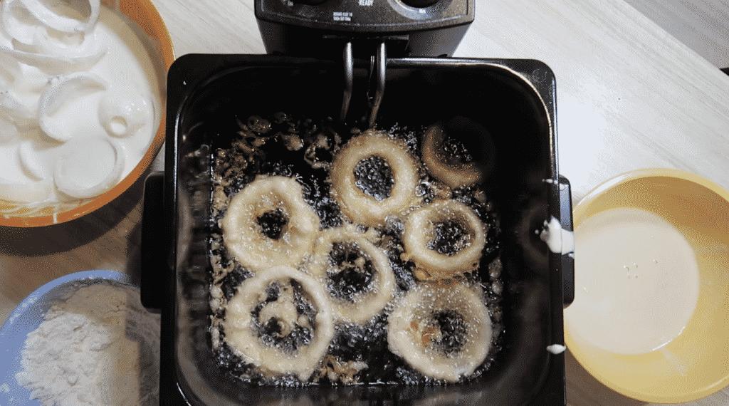Onion rings frying.