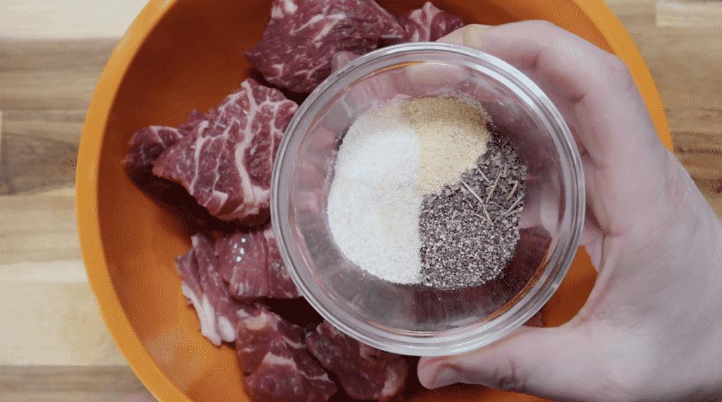 Adding seasonings to beef