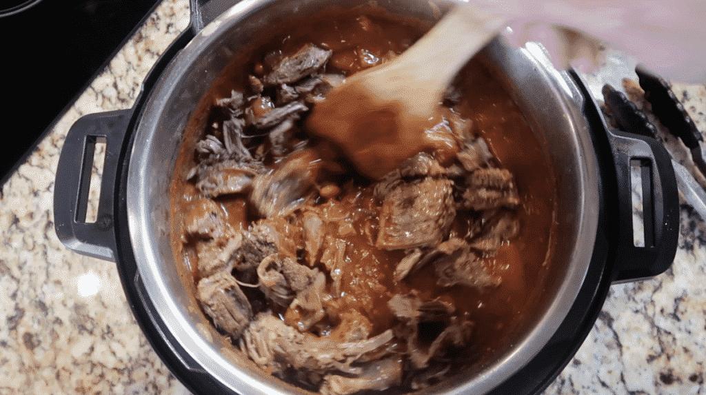 Returning short ribs to pot